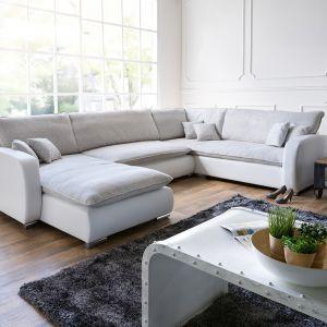 Sofa Silan dedykowana jest do dużych wnętrz. Wygodne siedziska zapewniają domownikom komfort i relaks. Fot. Delife