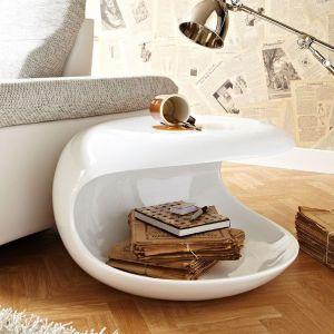 Modny stolik kawowy powinien być ciekawy w formie oraz bardzo funkcjonalny. Fot. Delife