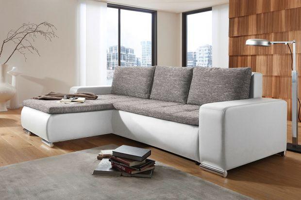 Sofa w salonie. 15 narożników w małym rozmiarze