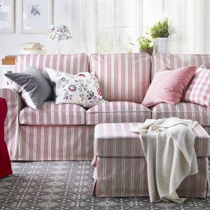 """Sofa """"Ektorp"""" (IKEA) - idealne dopełnienie salonu w stylu hygge. Fot. IKEA"""