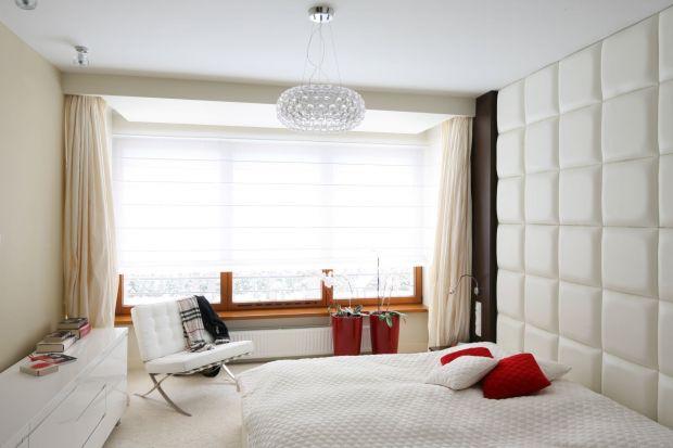 Chcesz urządzić sypialnie modnie, ale nie wiesz jak? Postaw na dekorację ściany za łóżkiem, to sprawdzony sposób na ciekawe wnętrze.