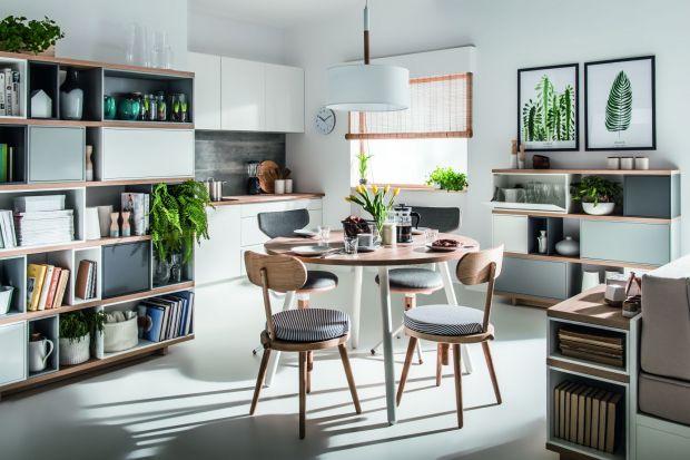 Możliwość samodzielnego zaplanowania wyglądu mebli w salonie to nie tylko wygoda, ale również sposób, na wyrażenie siebie.