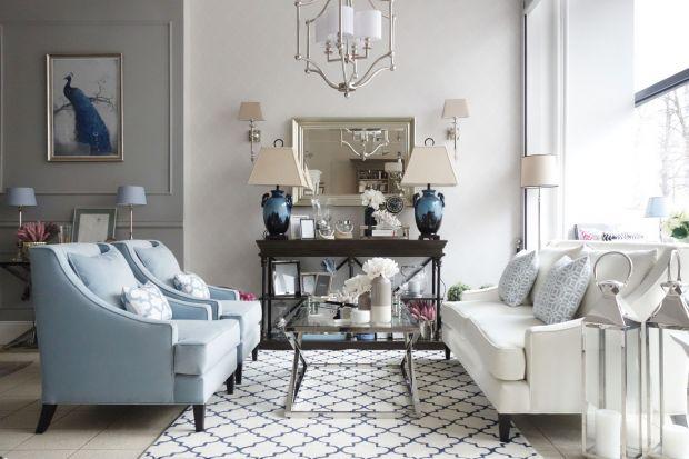 Jeśli lubisz eleganckie wnętrza, stylizowane lub w stylu klasycznym, te aranżacje ci się spodobają. Zobacz 10 pomysłów jak urządzić salon.