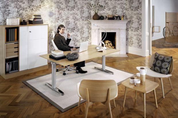 Seria mebli biurowych została zaprojektowana, aby umożliwić dobór indywidualnego stanowiska pracy, zapewniając jednocześnie estetyczną spójność aranżacji biura na planie otwartym.
