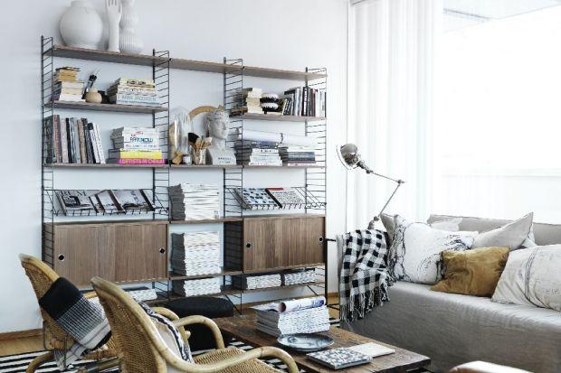 Alternatywą dla mebli z litego drewna czy z płyty są te wykonane z metalu. Są odporne na uszkodzenia, łatwe w utrzymaniu czystości, a przy tym mogą być dekoracją wnętrza.