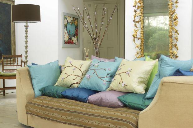 Odświeżamy sofę. Jak zrobić poduszki z japońskim wzorem?