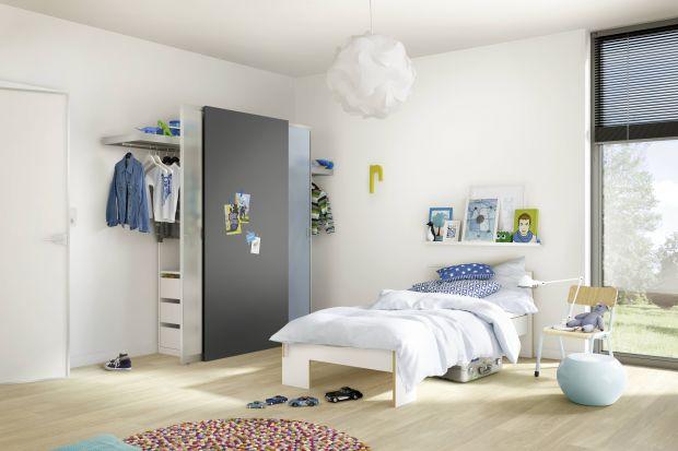 Szafa powinna się znaleźć nawet w najmniejszym pokoju dziecka.W pojemnej zabudowie zmieści się dziecięca garderoba, różnego rodzaju akcesoria oraz masa zabawek.