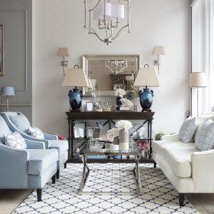 Orientalne dywany, pastelowe kolory i stylowe akcenty z marmuru będą hitami sezonu jesiennego. Fot. Mint Grey