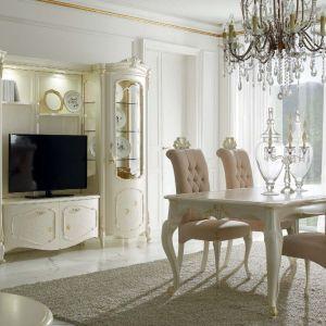 Jadalnia Venere marki Alberto & Mario Ghezzani. Uwagę zwracają złocenia i przepiękne krzesła. Fot. Galeria Heban