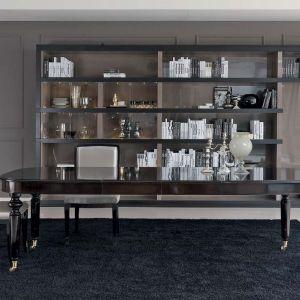 Elegancki stół Tristano marki Galimberti Nino. Wyposażony został w kółka oraz rozkładany blat na korbkę. Fot. Galeria Heban