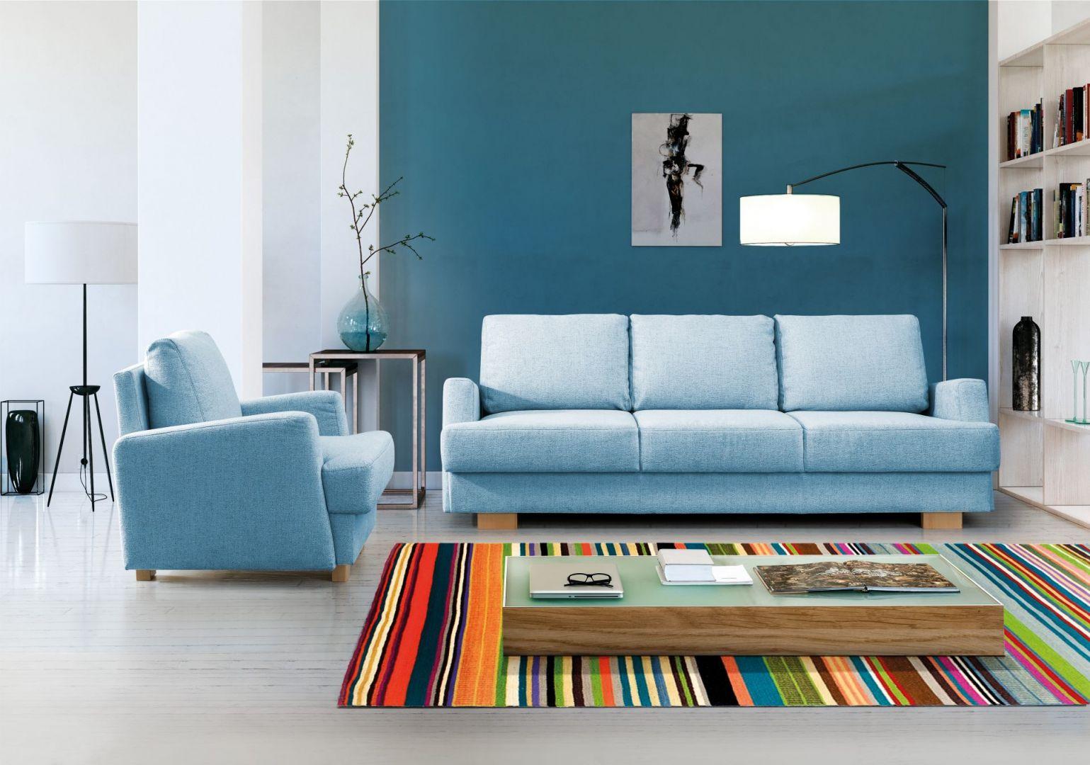 Sofa Ardea ciekawie prezentuje się w komplecie z fotelem. Fot. Meblomak