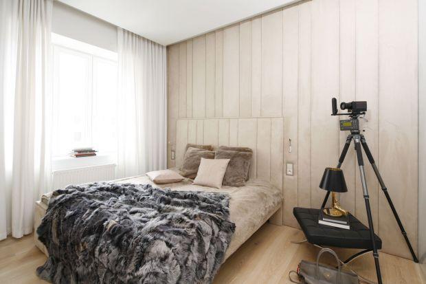 Chłodne wieczory sprawiają, że chętniej wypoczywamy w przytulnych wnętrzach. Jak więc wykreować ciepły klimat w sypialni?