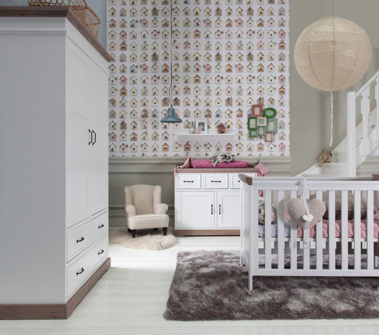 Warto postawić na meble z jednej kolekcji, dzięki czemu pokój maluszka będzie spójny i estetyczny. Fot. Muppetshop