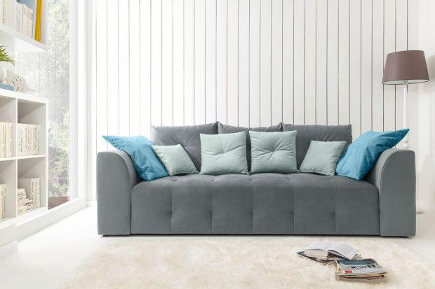 10 sposobów na szarą sofę. Zobacz je wszystkie