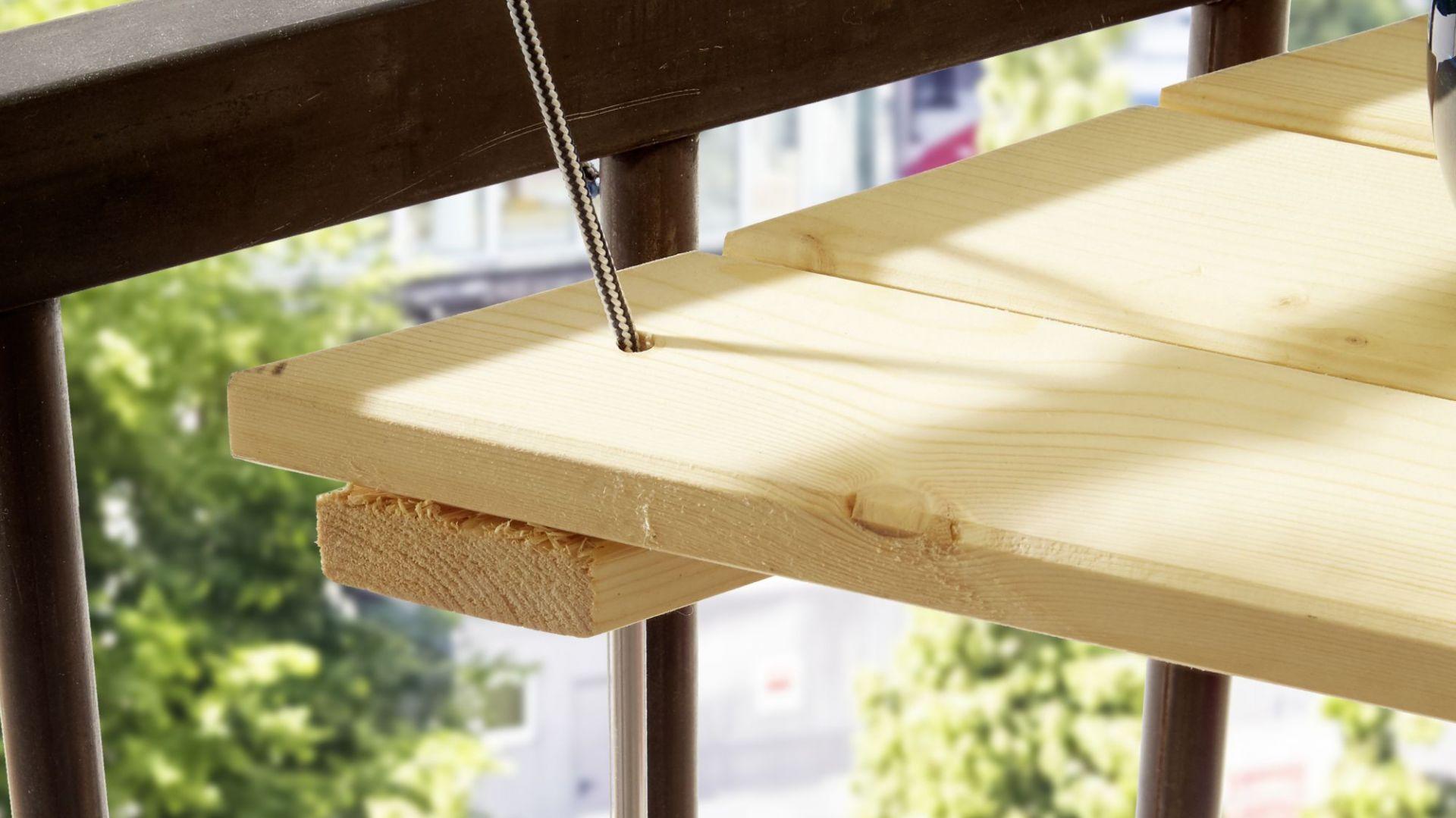 Stolik-ławka jest stabilny i wygodny w użytkowaniu. Fot. Bosch