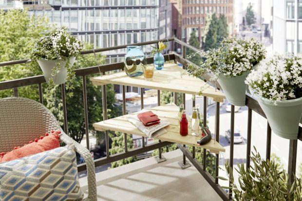 Przebywanie na balkonie może stać się prawdziwą przyjemnością. Dzięki praktycznemu stolikowi, nawet na małym balkonie zyskasz dodatkową powierzchnię, na której możesz postawić filiżankę, położyć okulary czy ulubioną powieść.