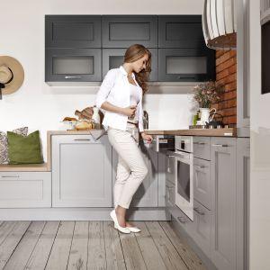 Kuchnia Ambra to polączenie klasyki i nowoczesności. Jest odpowiedzią na wyraźną tendencję przenikania się stylów, co jest cechą charakterystyczną europejskiego designu obecnej dekady. Fot. WFM Kuchnie