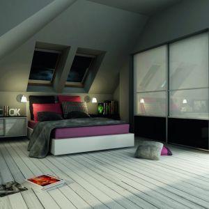 Pod niewielkim skosem można ustawić łóżko. Fot. Komandor