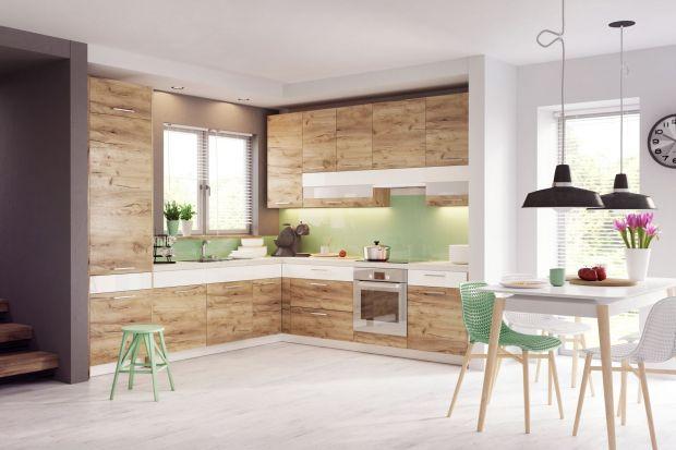 """Kolory w naszych wnętrzach w nadchodzącym sezonie mają odzwierciedlić styl życia, w którym według ekspertów najważniejsza będzie rodzina i przynależność do natury. To doskonała okazja, aby """"zaprosić do kuchni"""" piękne dekory drewniane."""