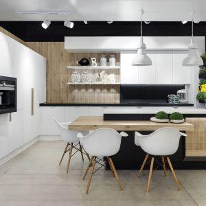 Kuchnia Nero to nowoczesna forma, wysokiej klasy materiały oraz czyste zestawienie kolorów. Fot. Vigo