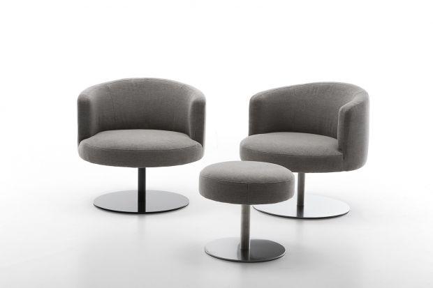 Fotel Eos posiada wyjątkową, specjalnie zaprojektowaną stopkę ze stali nierdzewnej oraz mechanizm nogi obrotowej.
