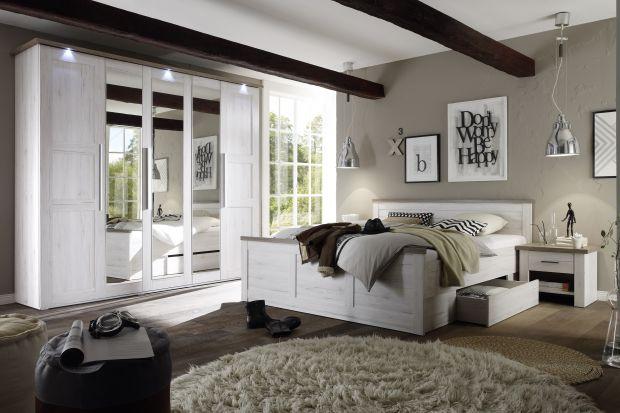 Łóżka do sypialni coraz częściej wyposażone są w pojemnik na pościel, dodatkowe koce lub inne przedmioty, których używamy na co dzień. Sprawia on, że mebel jest bardziej praktyczny i pozwala maksymalnie wykorzystać przestrzeń pod legowiskiem