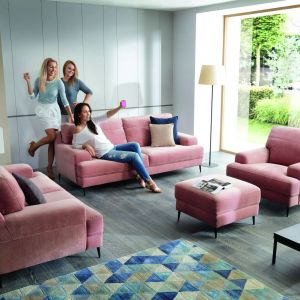 Kolekcja Mondo to sofy i fotele o wygodnych rozmiarach. Fot. Gala Collezione