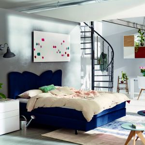 """Kolekcja """"Now Easy"""" (Huelsta). Łóżko z zagłówkiem to prawdziwa ozdoba wnętrza. Fot. Huelsta"""