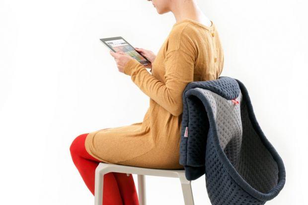 """Chang Chair"" - krzesło z kapturem"
