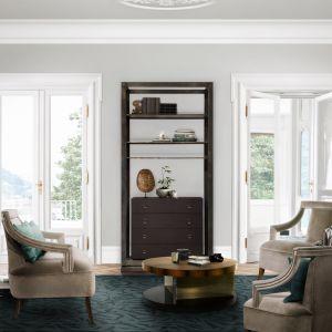Złote akcenty we wnętrzu urządzonym w harmonii z naturą . Pięknie komponują się z drewnem, bielą na ścianach oraz naturalnymi materiałami. Fot. Koket