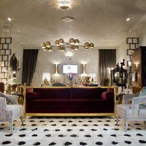 Złoto zestawione z purpurą prezentuje się niezwykle elegancko i ekskluzywnie. Fot.