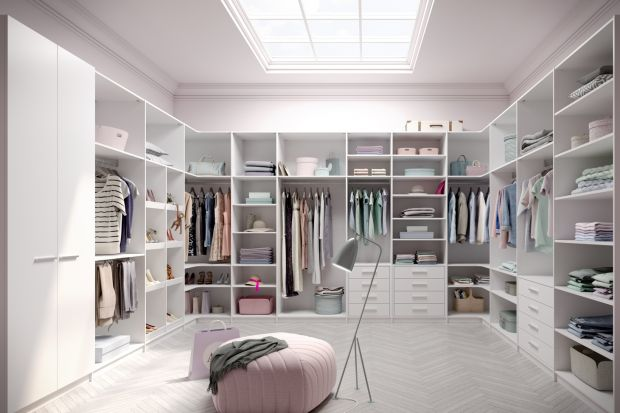 Garderoba w domu. Najlepsze sposoby na przechowywanie