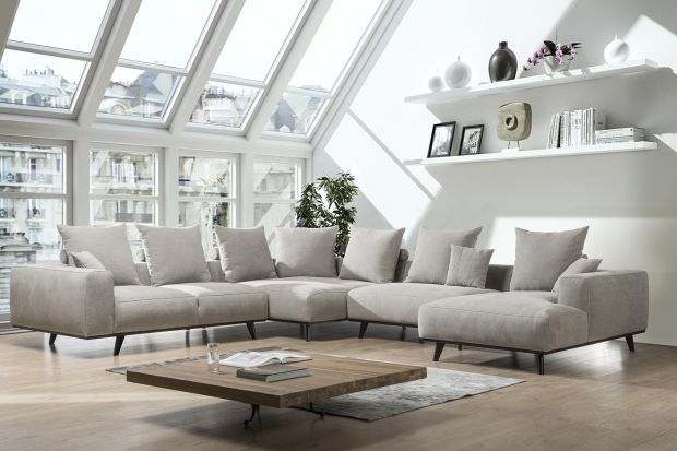 Nowoczesna sofa. Propozycje mebli w jasnym kolorze