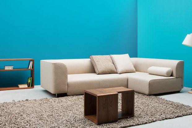 Bloc to kolekcja kanap o masywnych kształtach i miękkich oparciach tworzy przyjazne miejsce do wypoczynku.