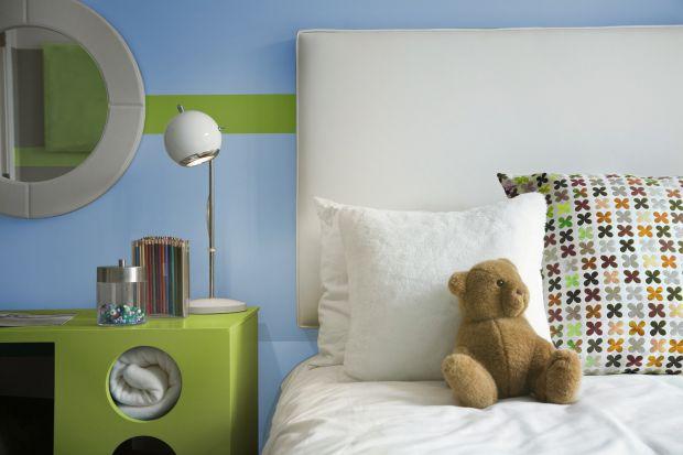Zieleń to barwa idealna do zastosowania w aranżacji wnętrz. Sprawdzi się nie tylko na ścianach, ale również meblach, elementach zabudowy i w dodatkach. Jak ją wykorzystać?