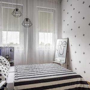Jeśli w sypialni nie ma miejsca na szafę, warto wstawić komodę. Zapewni ona miejsce do przechowywania bielizny i podstawowej odzieży. Fot. Materiały prasowe Fabryka_Materacy Janpol