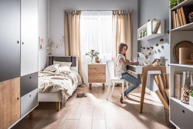 Pokój dziewczynki może być urządzony różnie - delikatnie i uroczo lub przekornie, w zdecydowanych kolorach. Podpowiadamy, jakie meble wybrać.