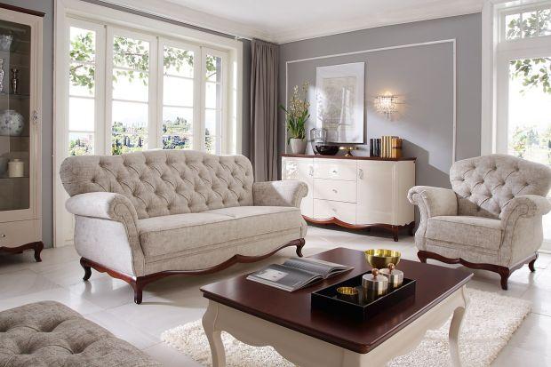 Styl glamour to synonim elegancji i komfortu we wnętrzu. Jego wyznacznikami są wysokiej jakości materiały, bogate zdobienia, subtelne oświetlenie i stonowana kolorystyka. Wszystko razem tworzy klimat prawdziwego luksusu.