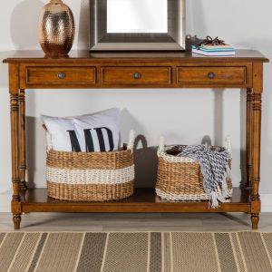 Do niedużego salonu warto wybierać też niezbyt wysokie meble – w ten sposób można zaoszczędzić powierzchnię we wnętrzu, które tym samym będzie wyglądać na wyższe niż w rzeczywistości. Fot. Dekoria.pl