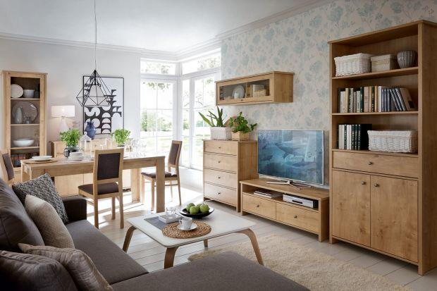 Meble z rysunkiem drewna wprowadzają do wnętrz spokój i harmonię. To doskonały wybór, jeśli chcemy urządzić salon w przytulnym klimacie.
