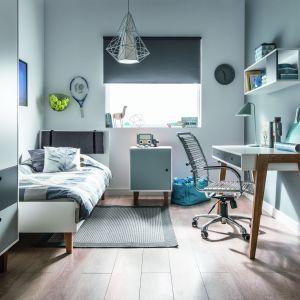 Concept to kolekcja mebli w nowoczesnym stylu. Łóżko oparte na wysokich nóżkach, sprwdzi się w małym czy też wąskim pokoju. Fot. Meble Vox
