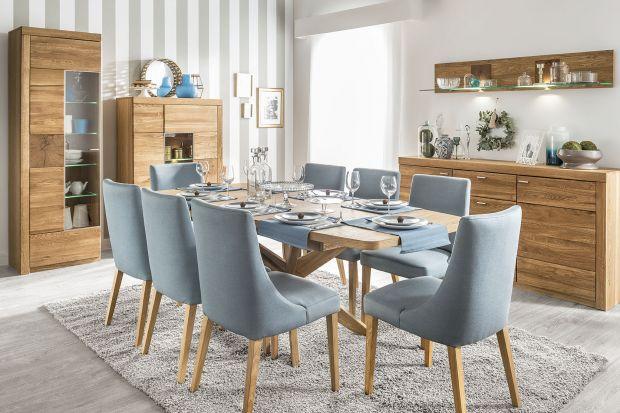 Odpowiednio duży stół w jadalni przyda się każdej, wieloosobowej rodzinie. Producenci mebli oferują szeroki wybór mebli w tym zakresie.