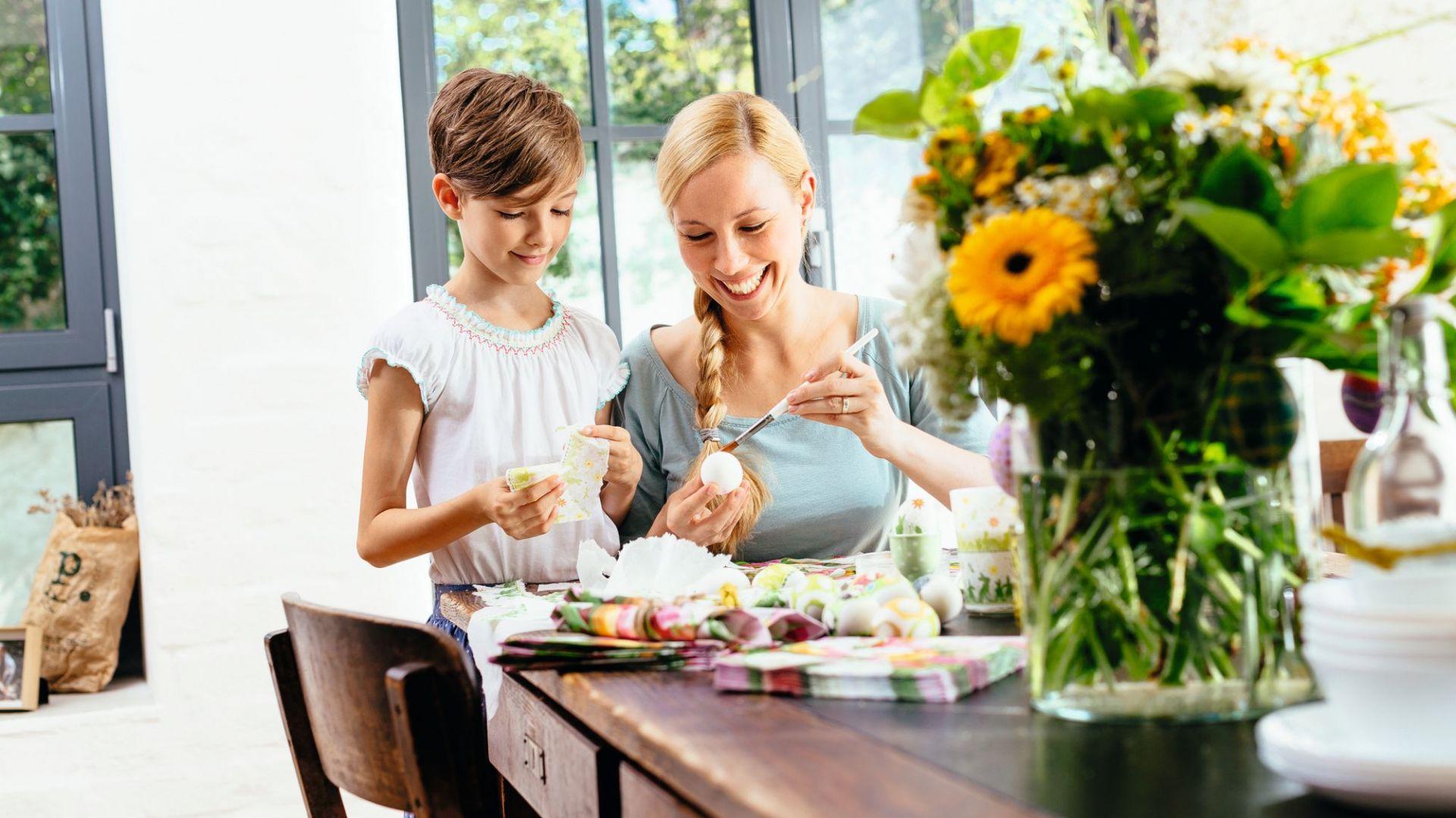 Stół powinien być wygodny i funkcjonalny. Warto, by pasował do aranżacji kuchni i stylistyki wnętrza. Fot. Paper + Design