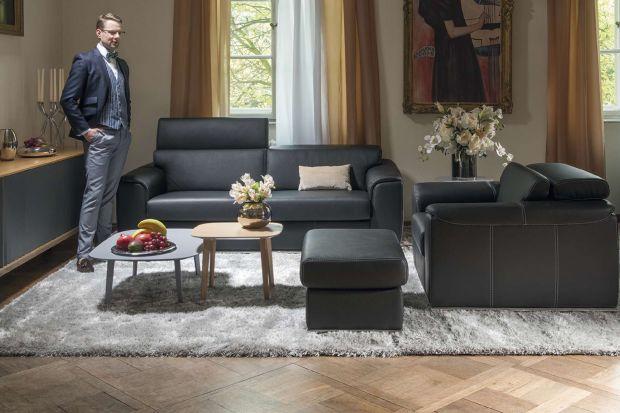 Fotel Valzer wyróżnia się dekoracyjnymi detalami.