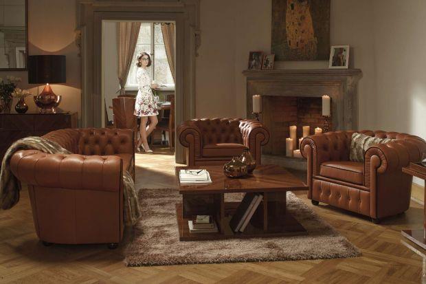 Fotel Coda prezentuje stylistykę klasyczną, podkreśloną głównie przez formę oraz pikowanie.