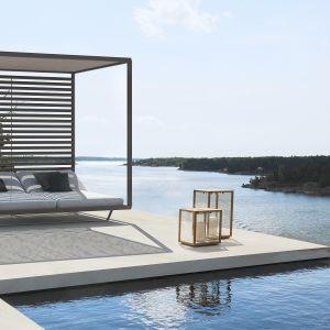 Tribu Pavilion Daybed. Mebel oferuje niezwykły komfort wypoczynku. Wyglądem przypomina łóżko. Fot. Go Modern Furniture