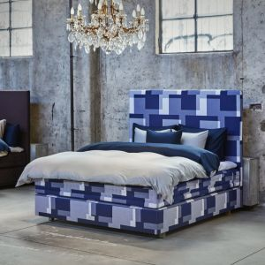 Łóżko w tkaninie Apaaloosa marki Hästens. Fot. Martin Sølyst