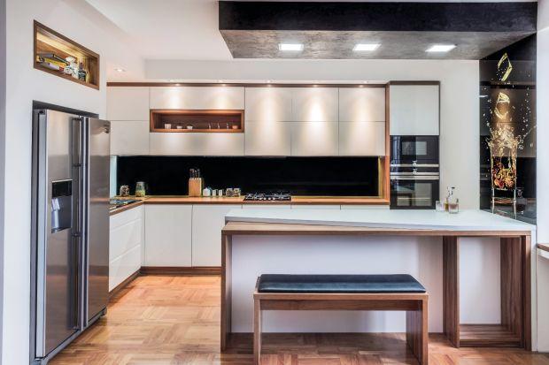 Urządzenie kuchni jest nie lada wyzwaniem. Jakie wybrać fronty - lakierowane czy matowe? Podpowiadamy...