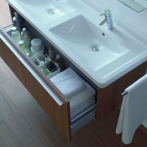 """Kolekcja mebli łazienkowych """"X Large"""" firmy Duravit. Fot. Duravit"""
