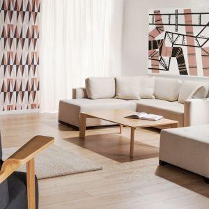 Model Swing pozwala na szybkie przekształcenie narożnika w obszerne, komfortowe łóżko lub leżankę do swobodnego spędzania czasu podczas dnia. Fot. Comforty